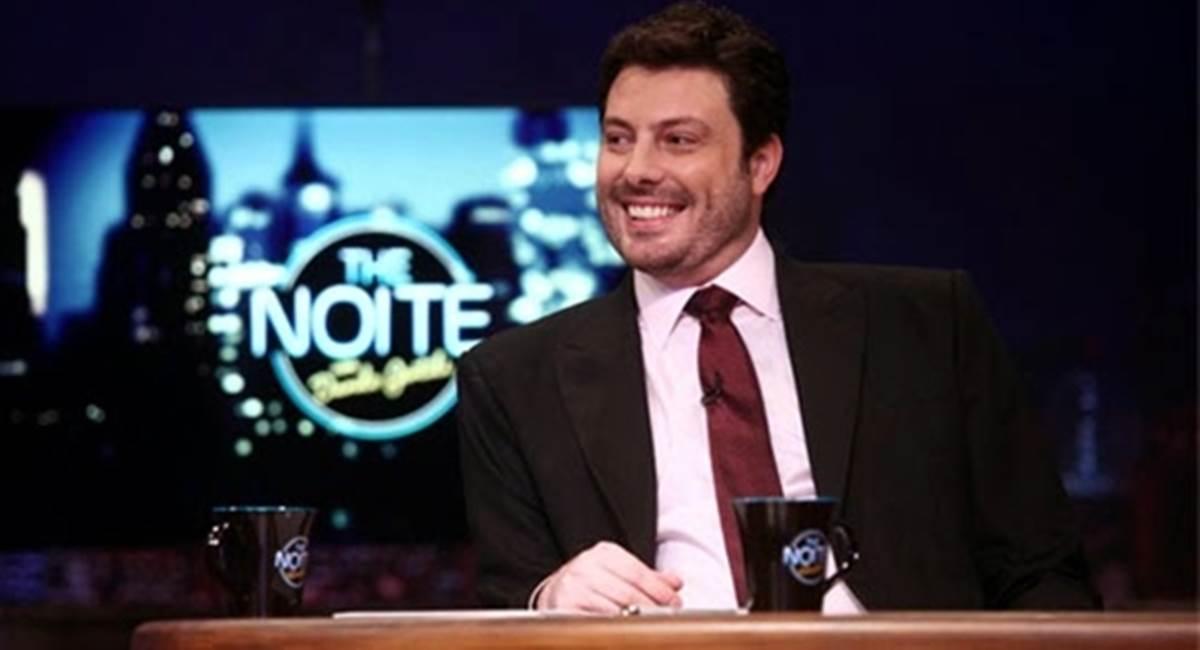 Danilo Gentili bomba na internet com o The noite.