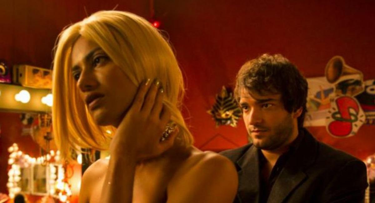 Ao lado de Jaloo, Humberto Carrão teve cenas sensuais em Paraíso perdido