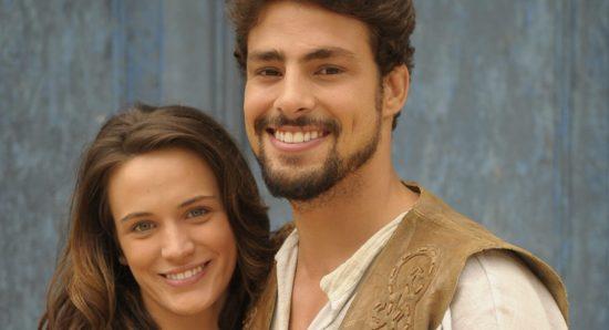Bianca Bin e Cauã Reymond como Açucena e Jesuíno em Cordel encantado