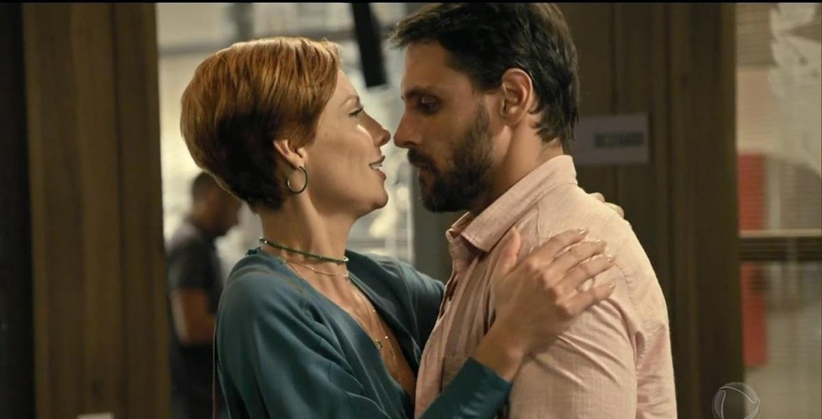 Sophia e Antônio, protagonistas da novela Topíssima