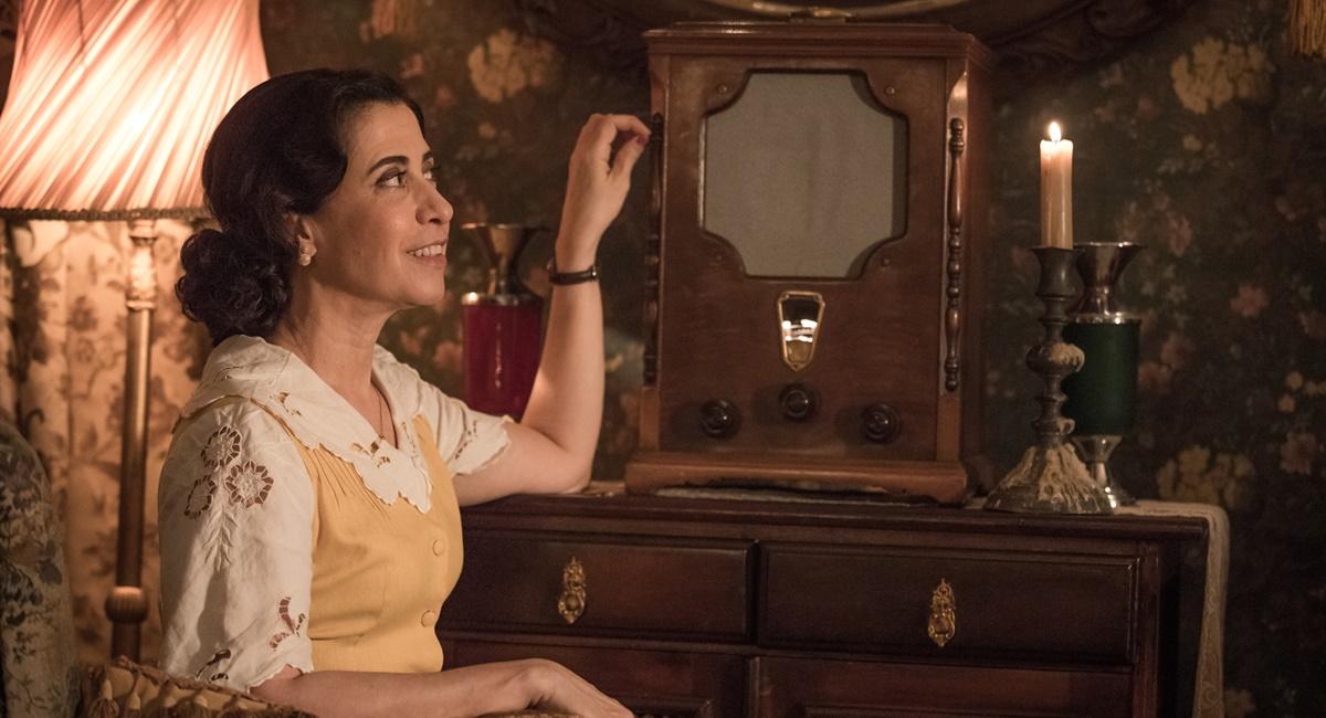 Fernanda Torres como Maria Teresa em cena de Filhos da pátria