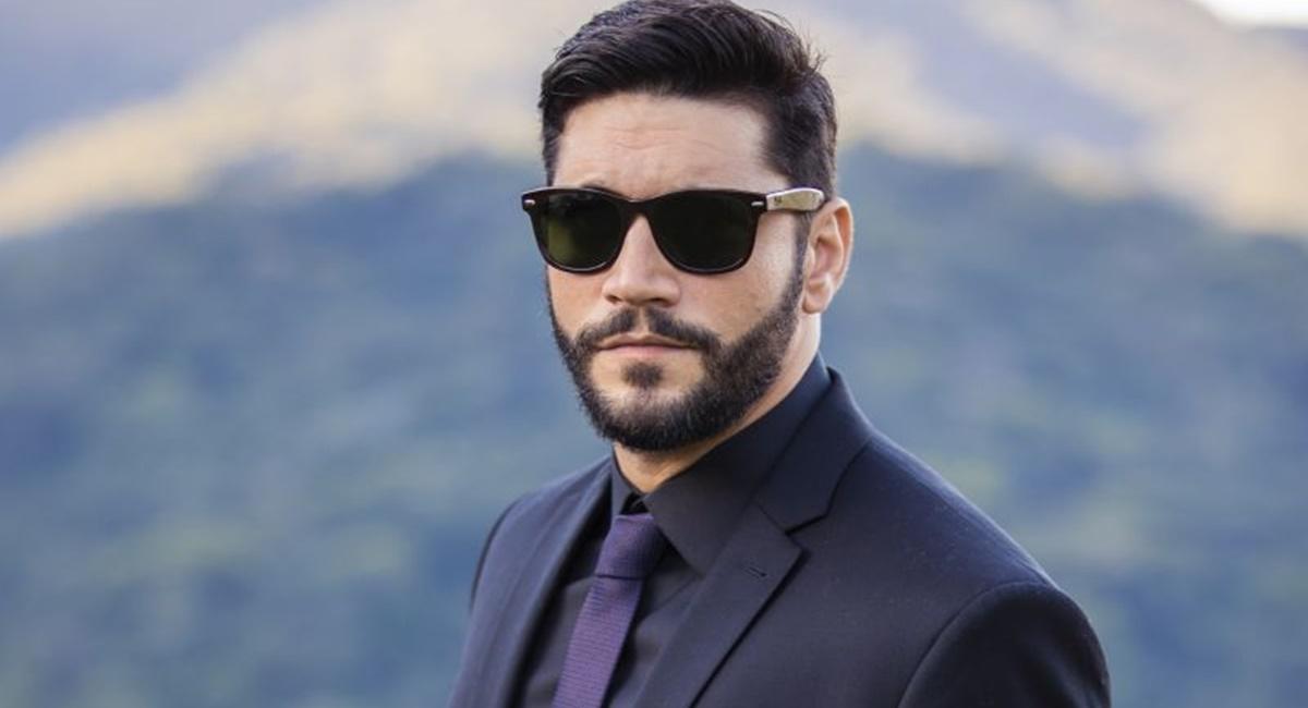 Ator Armando Babaioff como Diogo na novela Bom Sucesso