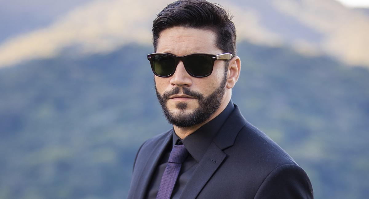 Armando Babaioff como Diogo na novela Bom Sucesso