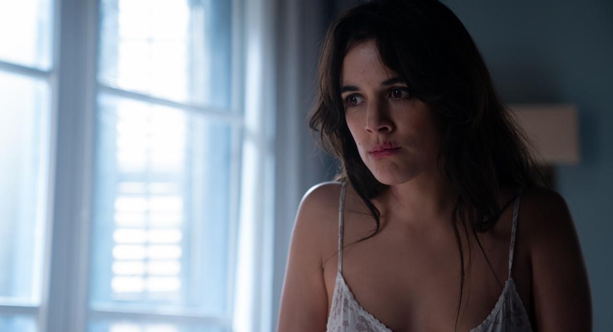 Adriana Ugarte como Helena na série Hache