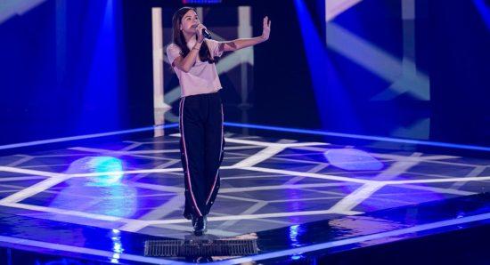 Ana Luiza Salgueiro canta no Thje voice kids