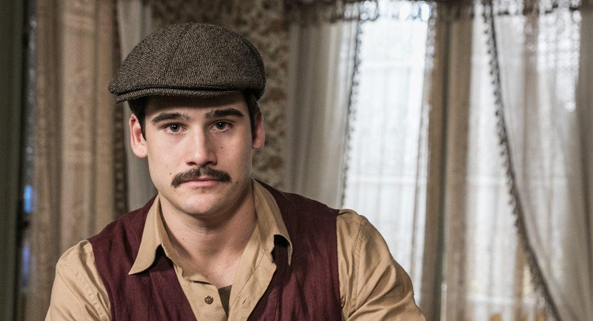 Nicolas Prattes como Alfredo em Éramos seis