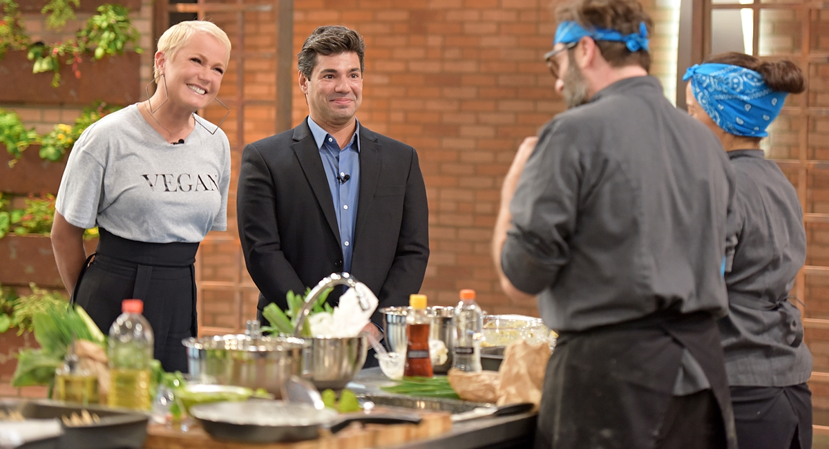 Xuxa participa de um episódio do Top Chef