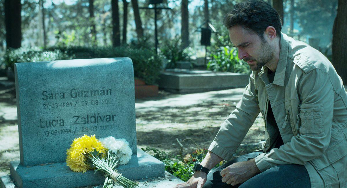 Cena da primeira temporada da série Quem matou Sara?