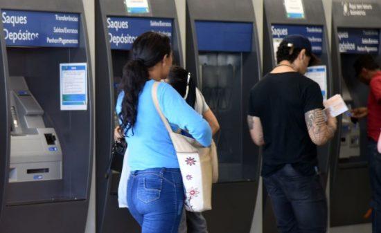 Caixa divulga novo calendário de pagamento do abono salarial
