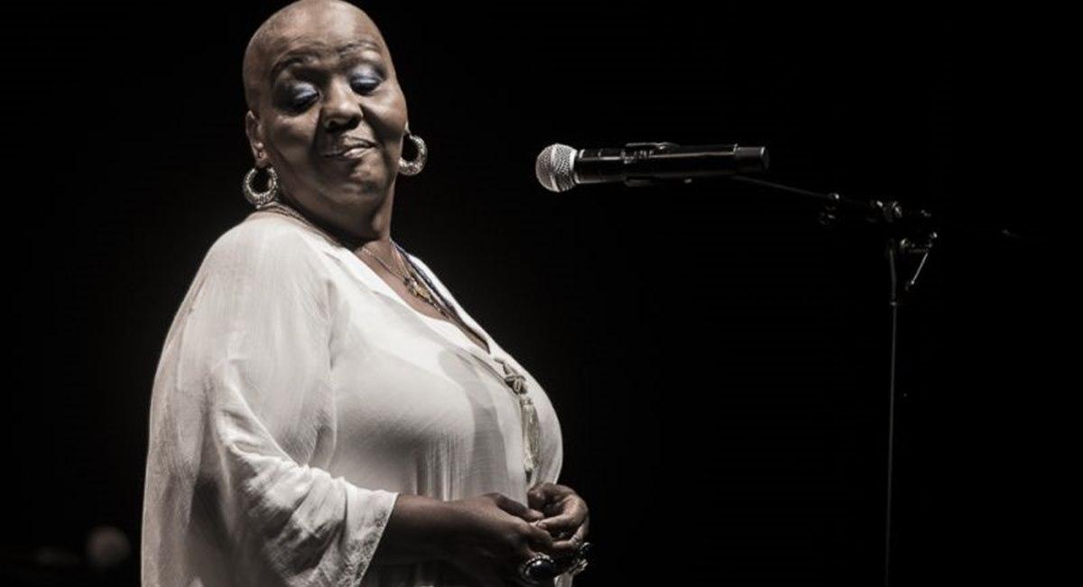Cantora Virgínia Rodrigues vai mostrar repertório de sucessos na Caixa
